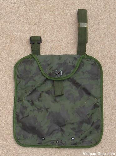 Australian 2 Quart Collapsible Canteen